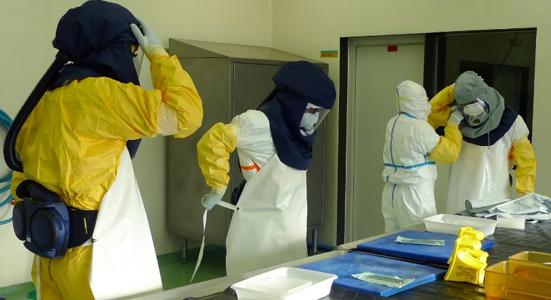 Trabajo con el MERS-CoV en los laboratorios de alto nivel de bioseguridad del IRTA-CReSA